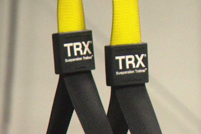Trening brzucha na TRX dla średniozaawansowanych